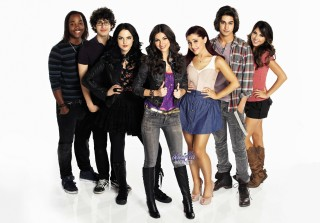 The 'Victorious' Cast Had a Cute Christmas Reunion, Says New Season Is Coming