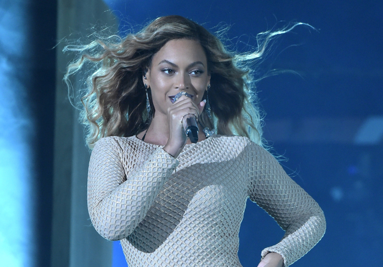 Beyonce at 2015 Global Citizen Festival In Central Park To End Extreme Poverty