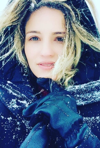 celebrities-storm-jonas-winter-photos