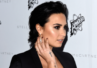 Demi Lovato Can\'t Stay Away From Twitter: \