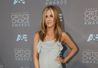 Jennifer Aniston Dropped From Her Late Mom Nancy Dow's Will — Report