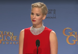 Golden Globes 2016: Jennifer Lawrence Totally Shuts Down Reporter in Press Room (VIDEO)