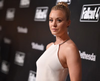 kaley-cuoco-dog-died-chester-photo