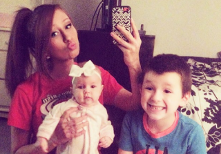 Photo of Nikkole Paulun's 6-Year-Old Son Taking Her on Dinner Date Goes Viral