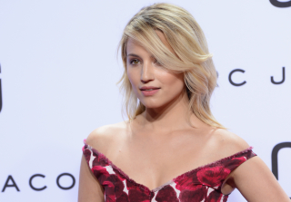 Dianna Agron Sports Wedding Dress on Set Amidst Engagement Rumors (PHOTO)