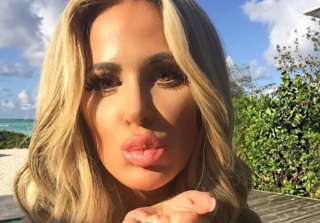 "Kim Zolciak Responds to Body-Shamers: ""I Don't Have to Photoshop Anything!"""