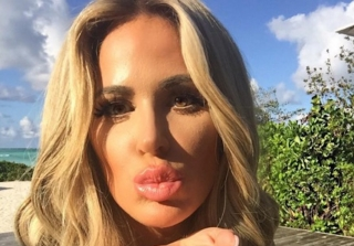 Kim Zolciak Brags About Fitting Into Her High School Jeans