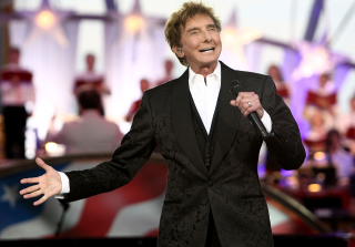 Barry Manilow Recovering After Post-Surgery Complications