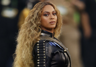 "Beyonce Sparks Controversy With Political ""Formation"" Moments"