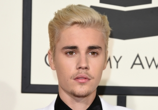 Justin Bieber Steps Out With a Mystery Girl — Who\'s Not Sofia Richie (PHOTOS)