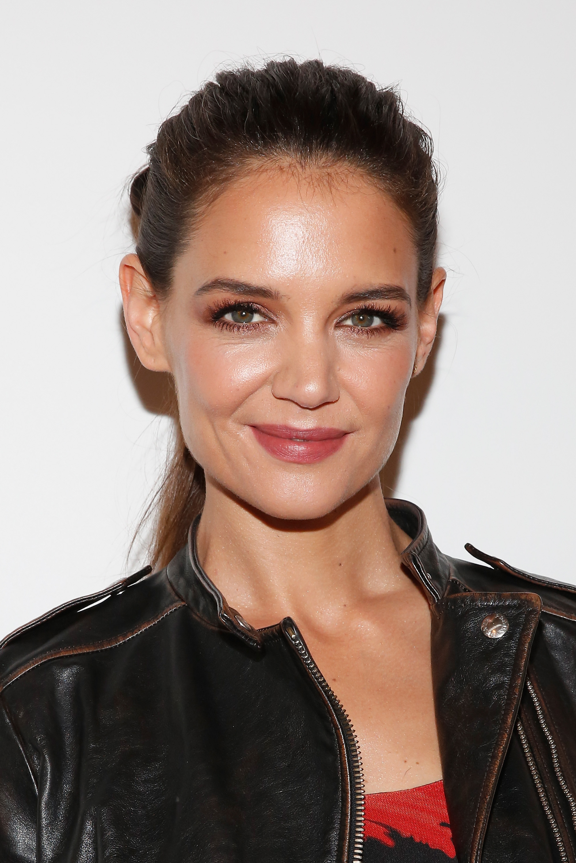 How To Do First Night Katie Holmes Describes Her First Kiss A Dawson S Creek