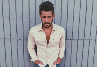 Nick Viall Grades Exes Andi Dorfman and Kaitlyn Bristowe on Their Kissing!