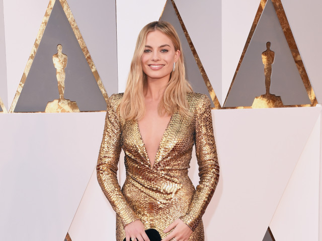 oscars 2016 red carpet margot robbie