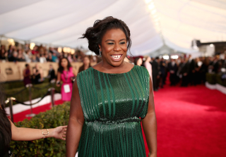 Uzo Aduba SAG Awards 2016: \'OITNB\' Star Brings Prom Date (PHOTO)