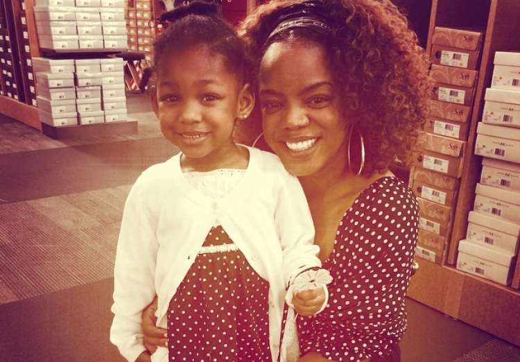 Leela James and Daughter