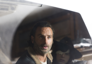 'The Walking Dead' Season 6 Finale: Who Does Negan Kill?