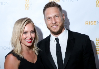 Hilary Duff Confirms She\'s Dating Her Personal Trainer With PDA Photo