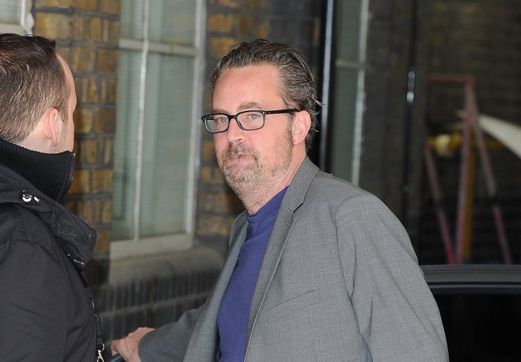 fans react to friends star matthew perry s dramatically different