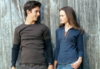 Milo Ventimiglia Comments on \'Gilmore Girls\' Revival Pregnancy Rumors (UPDATE)