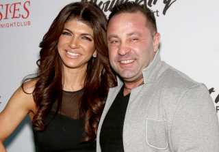 Joe Giudice Reports to Prison — See the Final Family Portraits (PHOTO)
