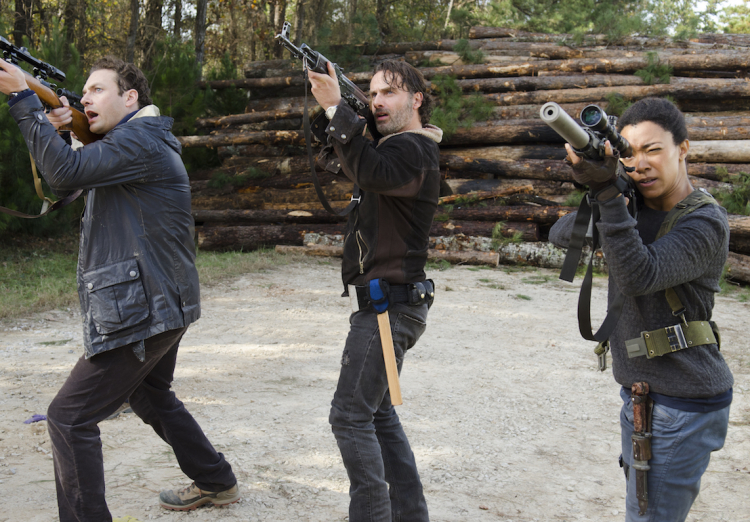 Aaron, Rick, and Sasha in The Walking Dead Season 6 Finale
