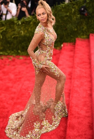 Kim Kardashian Beyonce Met Gala