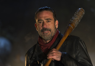 Jeffrey Dean Morgan Shaves Beard To Match Comic Book Version of Negan