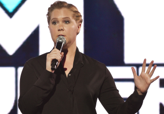 Amy Schumer Skewers Gun Control Laws With Unreleased Sketch (VIDEO)