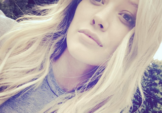 Hilary Duff\'s School Drop-Off Outfit Has Moms Freaking Out (PHOTOS)