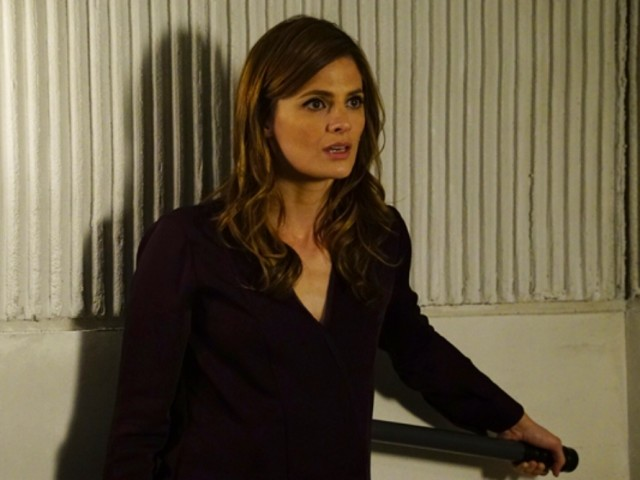stana-katic-castle-exit-season-8