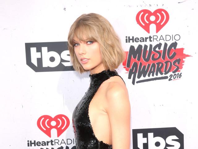 taylor-swift-iHeartRadio-Music-Awards-winners