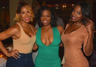Kandi Burruss Gets Spoiled at Her Surprise 40th Birthday (VIDEO)