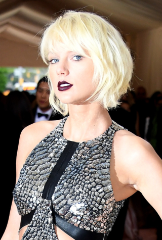 """Taylor Swift, """"Manus x Machina: Fashion In An Age Of Technology"""" Costume Institute Gala - Arrivals"""