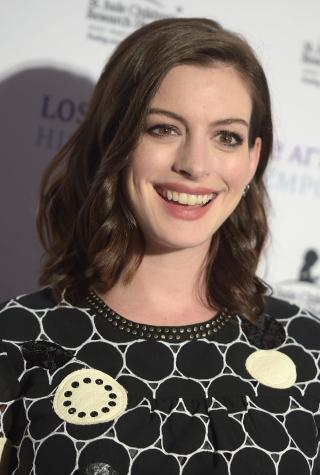 Anne Hathaway, Kardashians