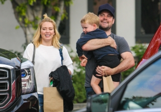 Hilary Duff & Ex-Husband Mike Comrie Spotted Kissing! (PHOTOS)