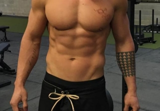 Can You Guess the Superhero-Worthy Abs? (PHOTOS)