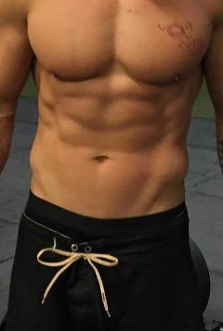 jason-momoa-shirtless
