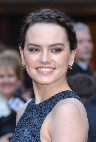 Celebrity beauty fails, Daisy Ridley