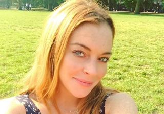 Lindsay Lohan Visits House From 'The Parent Trap' 18 Years Later (PHOTO)
