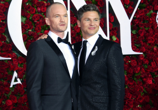 Neil Patrick Harris Debuts Bald Head at 2016 Tony Awards (PHOTOS)