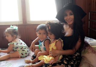 Snooki & JWOWW Take Their Kids to The 'Jersey Shore' House (PHOTOS)