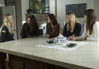 Torrey DeVitto Returning to \'Pretty Little Liars\' — Plus More Intel on Wren\'s Return