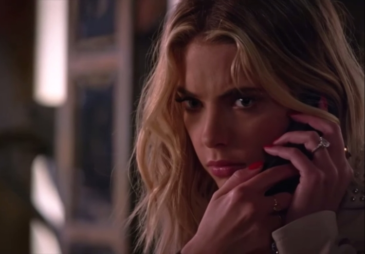Pretty Little Liars Hanna Phone Call