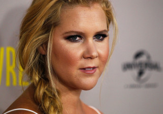 """Amy Schumer """"Just Lies There"""" During Sex"""