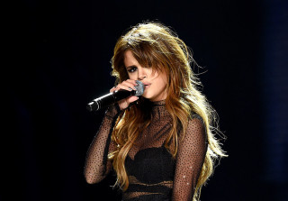 "Selena Gomez Cries Onstage, Says She ""Needs to Rethink"" Her Life"