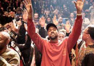 Kanye West Shows Support For Kid Cudi Following Drake Diss Track (VIDEO)