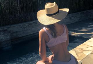 Iggy Azalea Posts Sexy Selfie, Sparks More Plastic Surgery Rumors