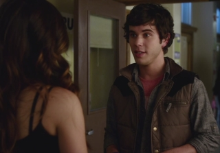 Shane Coffey Returns to 'Pretty Little Liars' as Aria's BFF Holden