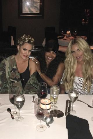 Khloe Kardashian and Kim Zolciak Have Dinner in L.A.