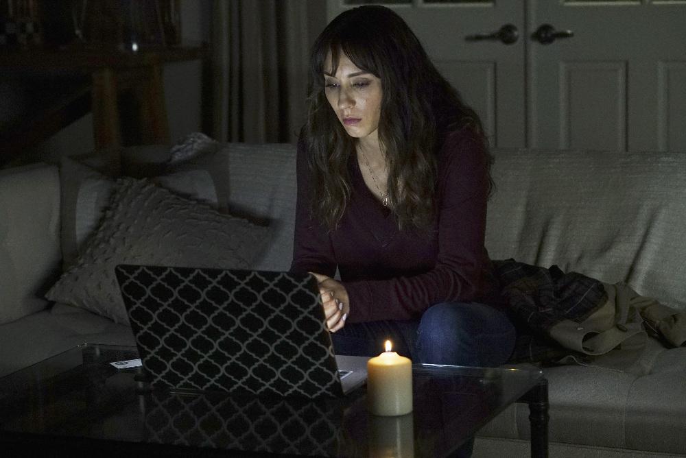 spencer calls on marco in �pretty little liars� season 7